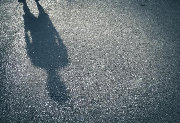 ombra-di-un-uomo